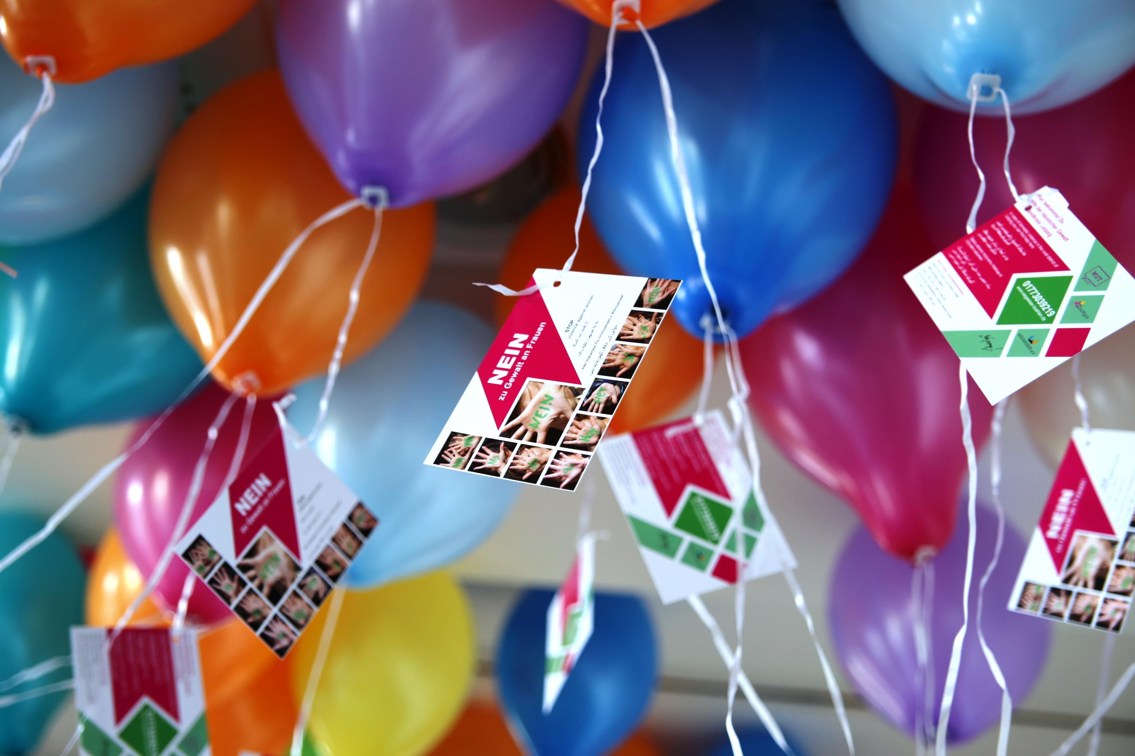 luftballons-fahnenaktion-012a